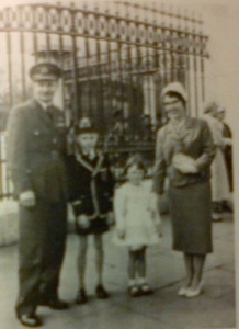 Margaret and her husband Toni (married 1950), with their children Richard and Helen outside Buckingham Palace, 1958