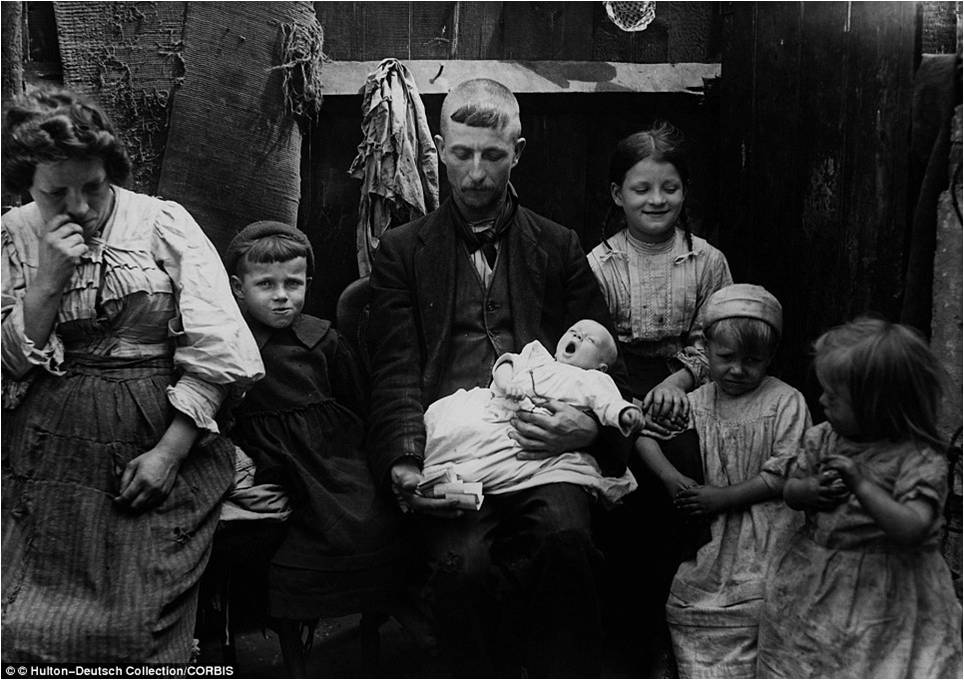 children in the 19th century Children in the 19th century in the early 19th century the textile industry in britain boomed however when children worked in textile factories they often worked for more than 12 hours a day.