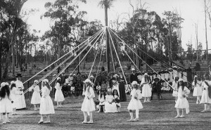Children dancing around the Maypole (c.1910)