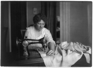 woman sewing 1918