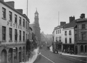 Photograph of Yeovil high-street dated to about 1914. Petter's ironmongery is visible on the left, with the Petter's shop on the right. Available at: http://www.yeovilhistory.info/petters%20ltd.htm