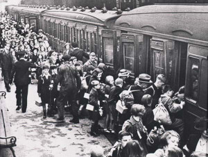 Evacuation of children at Lime Street Station, Liverpool, 1939.